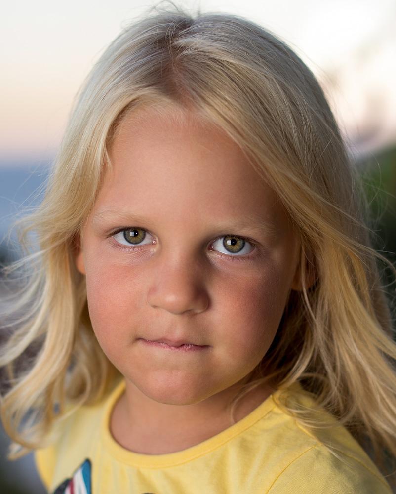 Some decent (I think) children portraits